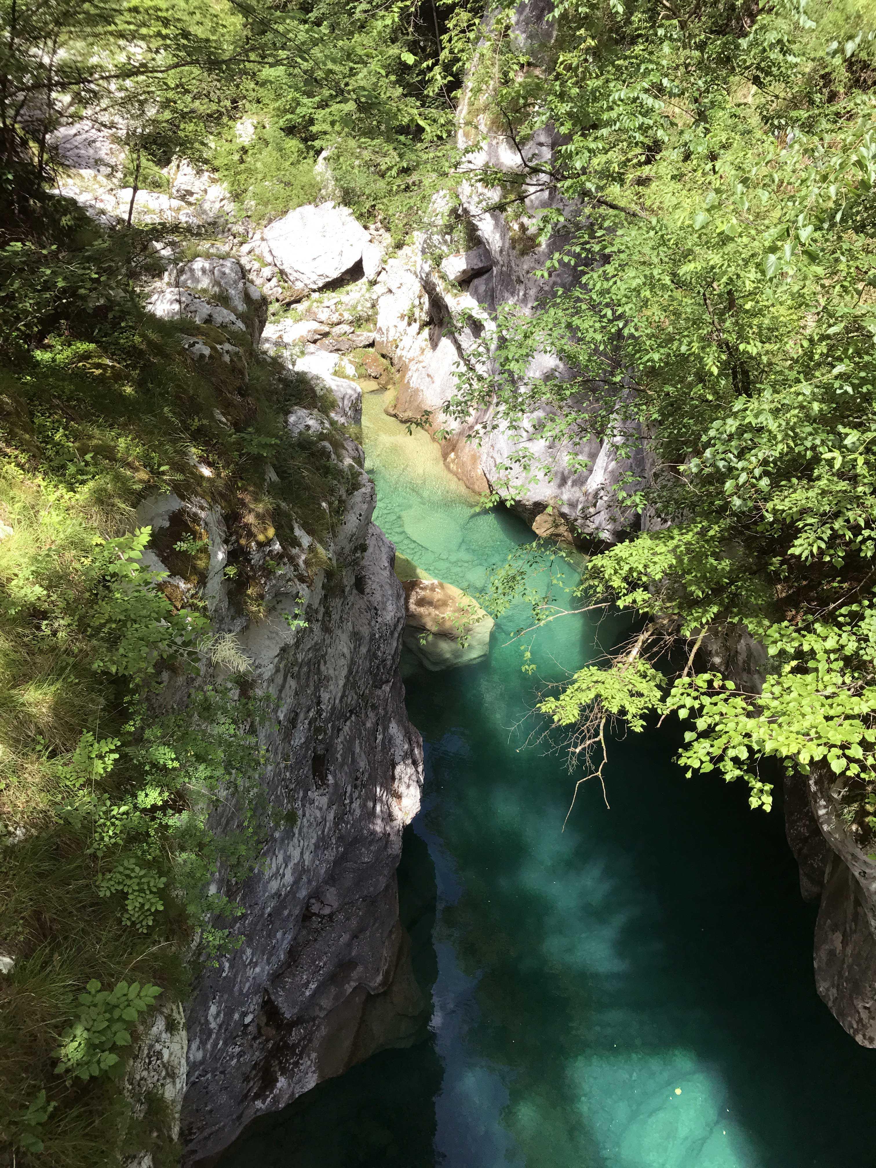 Wasser Felsen und Natur