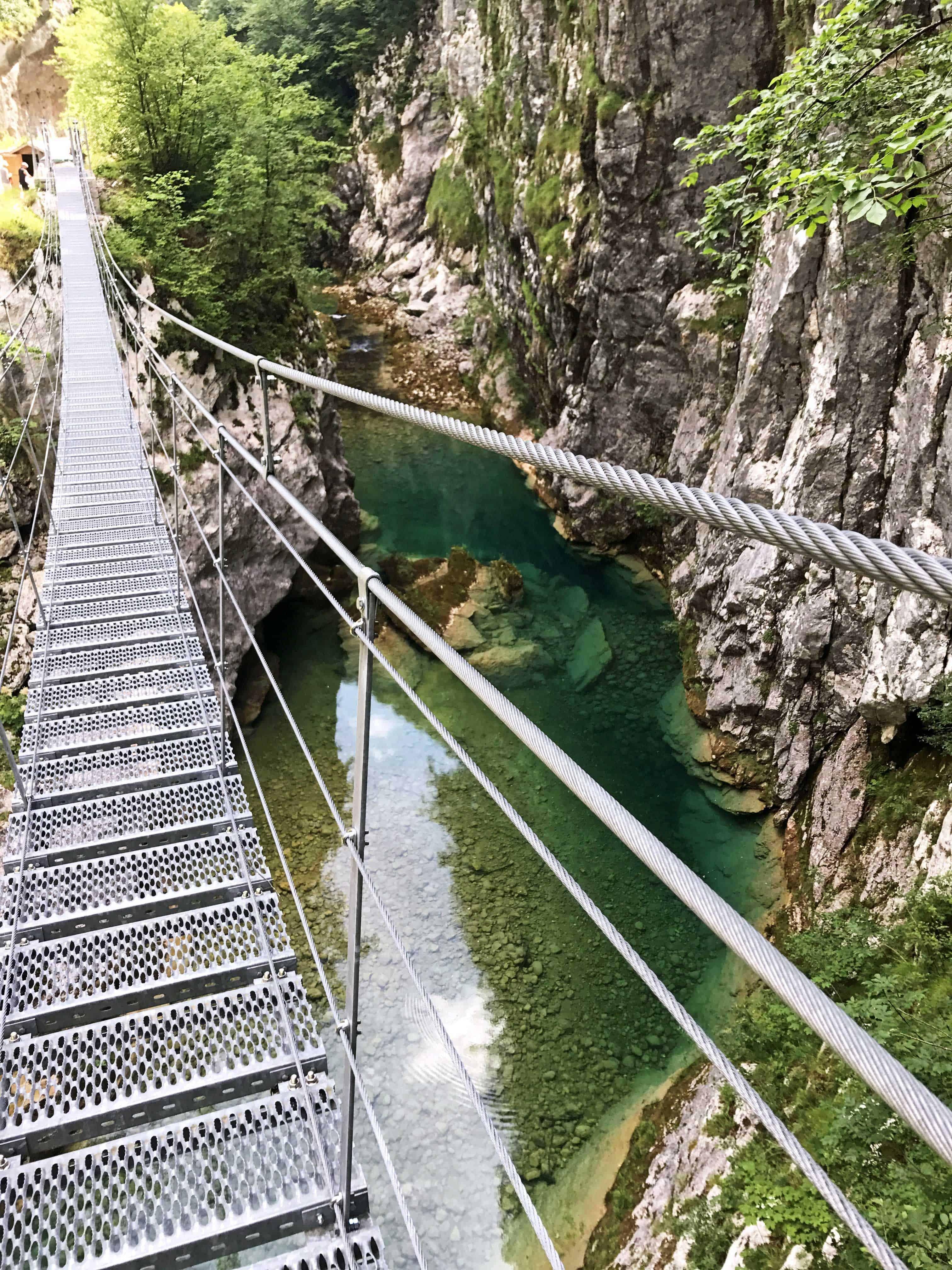Canyon unter der Hängebrücke