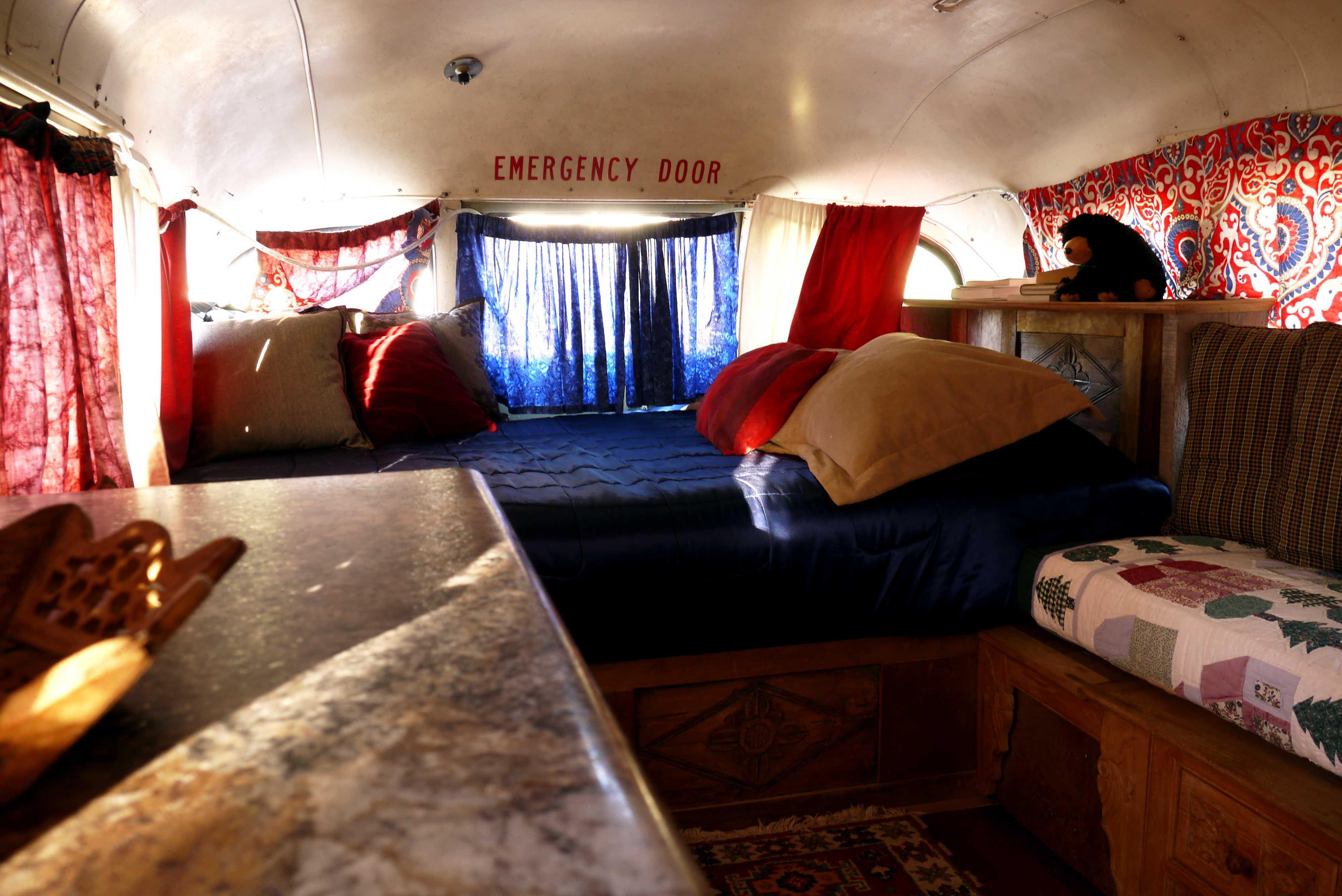 Airbnb Unterkunft Bus